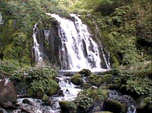 広原の滝(原始ヶ原)