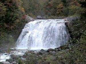 敷島の滝(東川町)