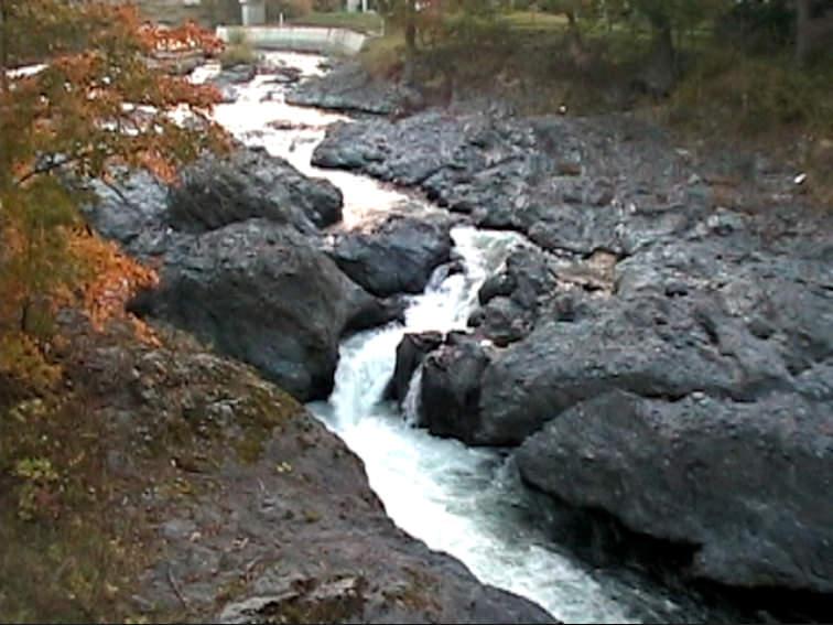 蛟竜の滝(滝上町)