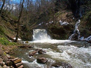 晨光の滝と三ツ糸の滝