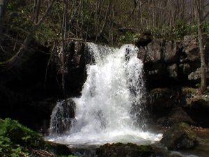糸毛の滝 右岸