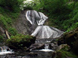 三段の滝(別名カマンベツの滝 登別市)