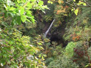 紅葉時期の錦糸の滝