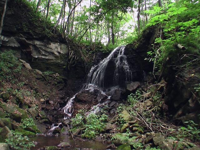 トブシの滝(足寄町)