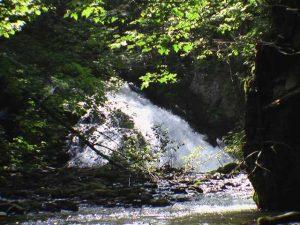 美里別の滝(足寄町)