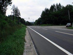 国道241号線島田温泉跡への分岐付近