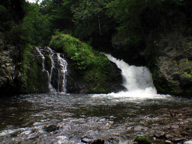 巨岩の滝(足寄町)