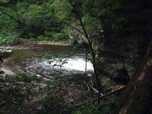 急坂から見る滝壺