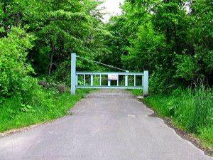 幌別鉱山線林道入り口付近のゲート