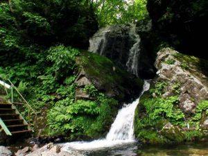 吉岡不動滝(福島町)