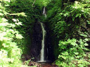 三流の滝全景