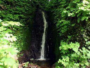 三流の滝下部