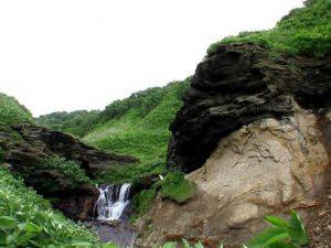 化石の滝遠景