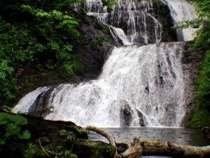 オオシュブンナイの滝下段