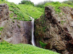白糸の滝のアップ