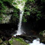 展望台から見た鳴神の滝