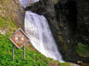 融雪期の横滝