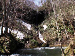 透見の滝 5月