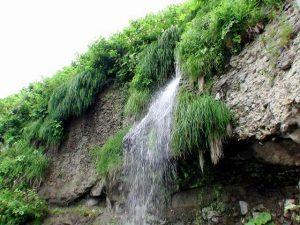 澤口の滝をハスに撮影
