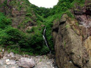 白鳥の滝(しらとのたき)