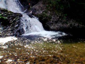 滝の下部と滝つぼ