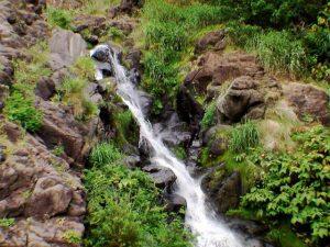 銀鱗の滝の上部
