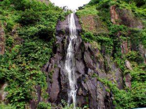 白銀の滝 全景
