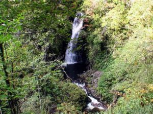 下流側の大滝が見えてきた