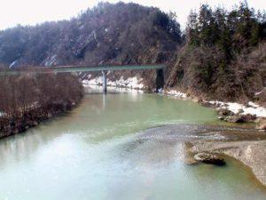 夕張川と於兎牛沢川の出会い