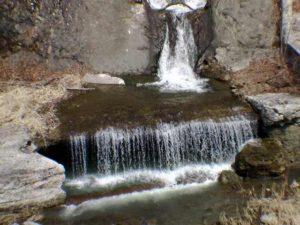 下流側の流れの下