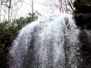 美唄の滝落ち口の飛沫