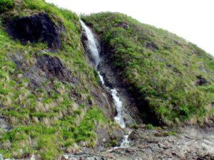 チャラセナイの滝