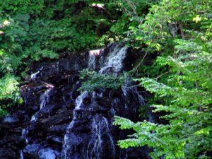 不老の滝の上部