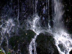 積丹大滝中央付近の段差