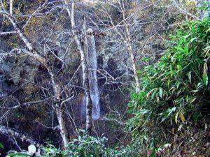 秘奥の滝が見えてきた