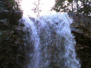 秘奥の滝落口