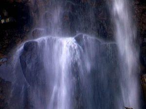 秘奥の滝中段