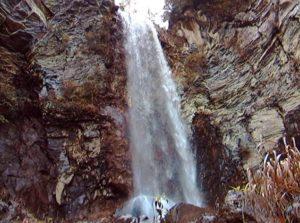 秘奥の滝 全景