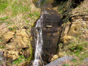 ホヤ石の滝下段