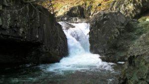 古平川本流の滝