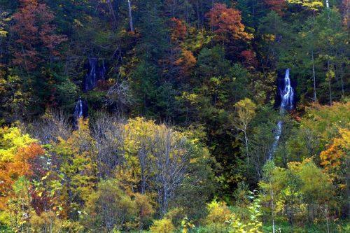 高広の滝と無名滝