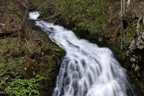 布敷の滝 上の流れ