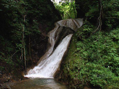 キムンドの滝(2005年撮影)