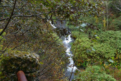 駒止の滝全景