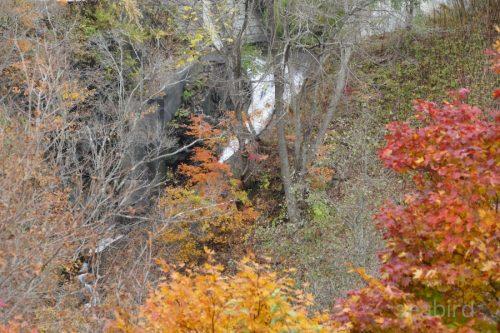 ポンポロカベツ川の滝