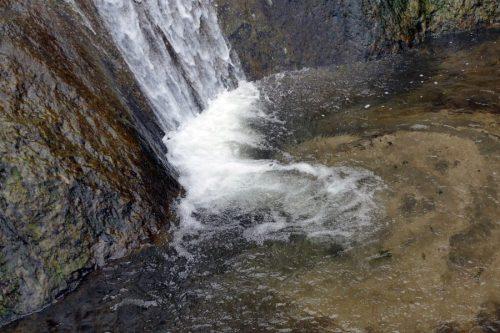 三味線滝滝つぼ