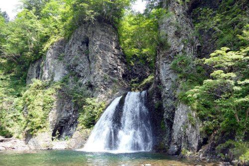 白老滝と柱状節理