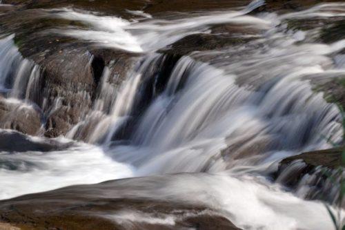 ラルマナイ川の流れ1