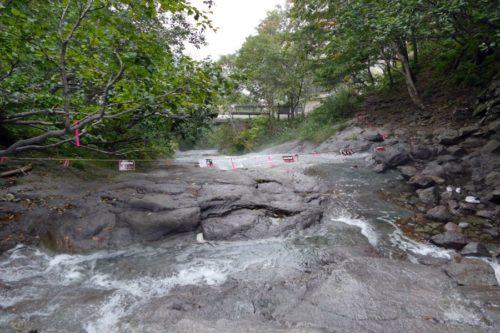 カムイワッカ川下流側