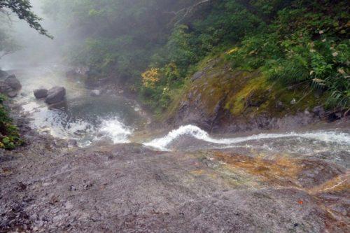 一の滝を登る途中で